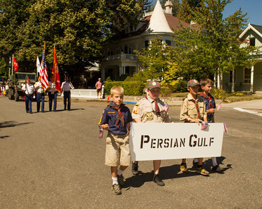 Cub scouts with Persian Gulf banner