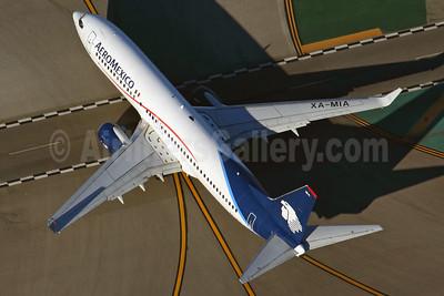 AeroMexico Boeing 737-852 WL XA-MIA (msn 35119) LAX (Rob Finlayson). Image: 925518.