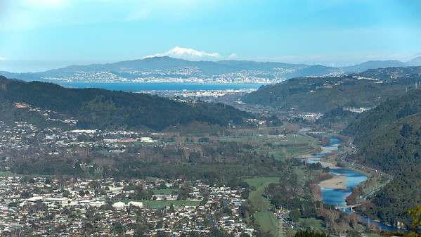 20170726 Hutt Valley, Wellington & South Island from Cannon Point  _JM_1463 a b