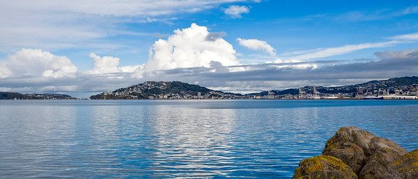 20100613 1231 Wellington Harbour before southerly storm 0008a b