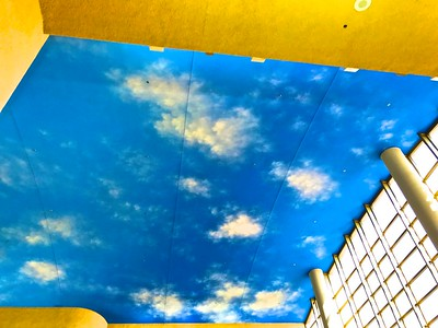 Here you get a blue sky indoors!