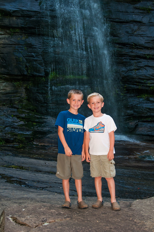 Wells Twins at Twin Falls