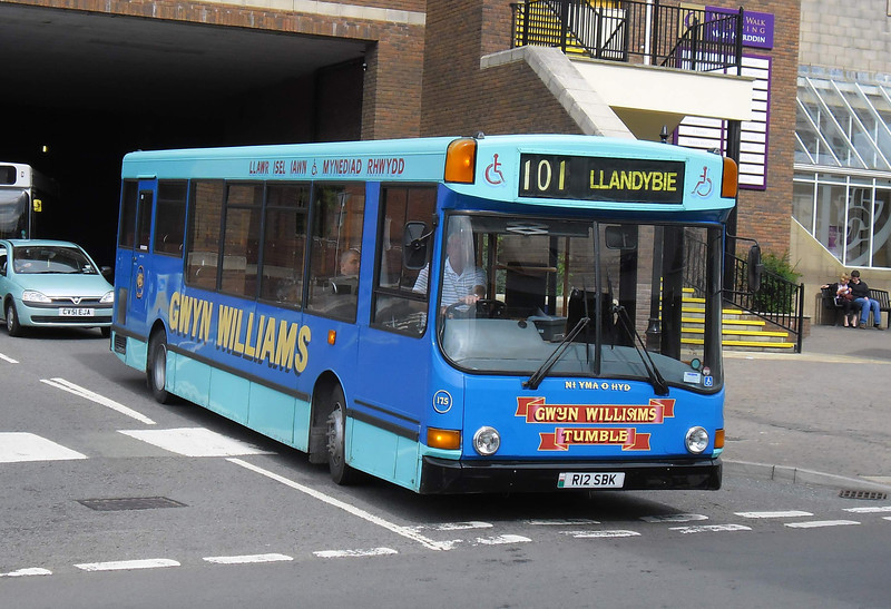 175 - R12SBK - Carmarthen (bus station) - 6.8.11