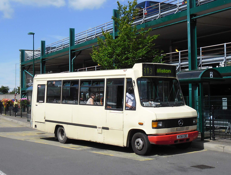M361CDE - Haverfordwest (bus station) - 5.8.11