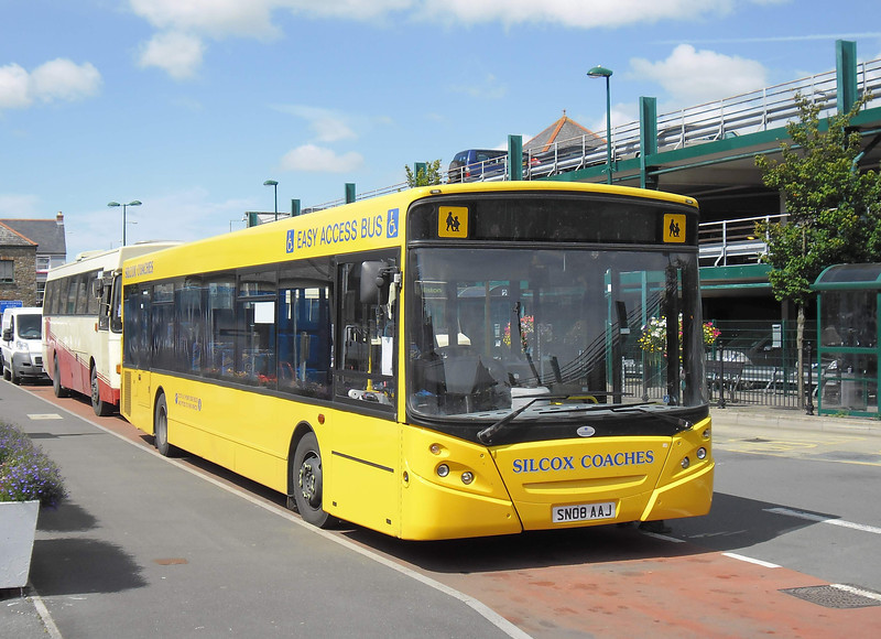 SN08AAJ - Haverfordwest (bus station) - 5.8.11