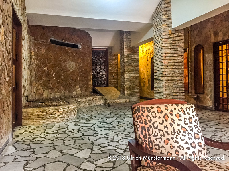 Welcome to the 70s, Hotel du Lac, Cotonou, Benin