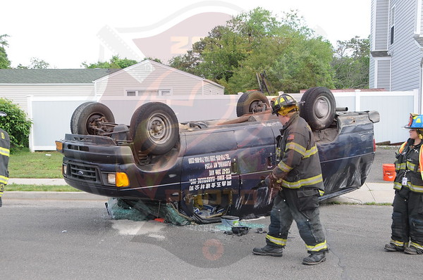 West Babylon F.D. MVA w/ Overturn Matthews Ave. and Straight Path 6/11/14