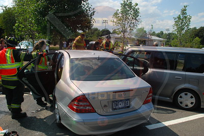 West Babylon F.D. MVA w/ Entrapment Straight Path and Bedell St. 7/13/09