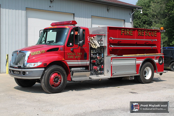 Tanker 121 - 2001 International 4400/Pierce (#12746) - 500gpm/1800gal