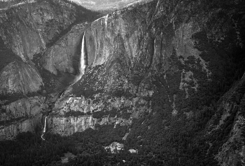 G;acoer Point Waterfall B&W-