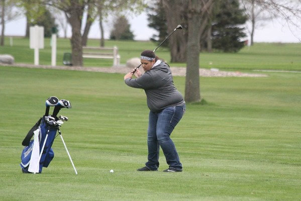 West Lyon girls' golf at Meadow Acres 4-25