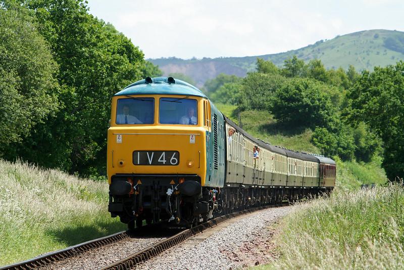 D7017, 12.05 Norton Fitzwarren-Minehead, Leigh Wood, near Stogumber, 14-6-09.
