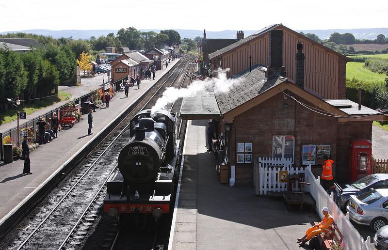 88, Bishops Lydeard, 29-9-12, awaiting 34067, 08.05 London Paddington-Minehead, West Somerset Steam Express.