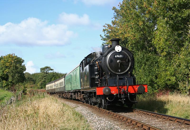 69621, 13.05 Williton-Bishops Lydeard, Nornvis Bridge, near Crowcombe Heathfield, 2-10-08.