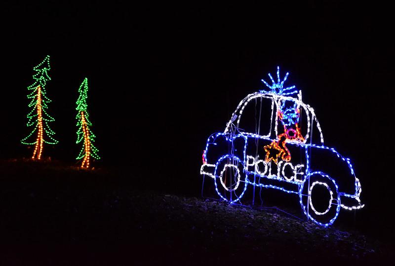 ChristmasLightsCoonskinParkKanawhaCoWV-2015-sjs-020