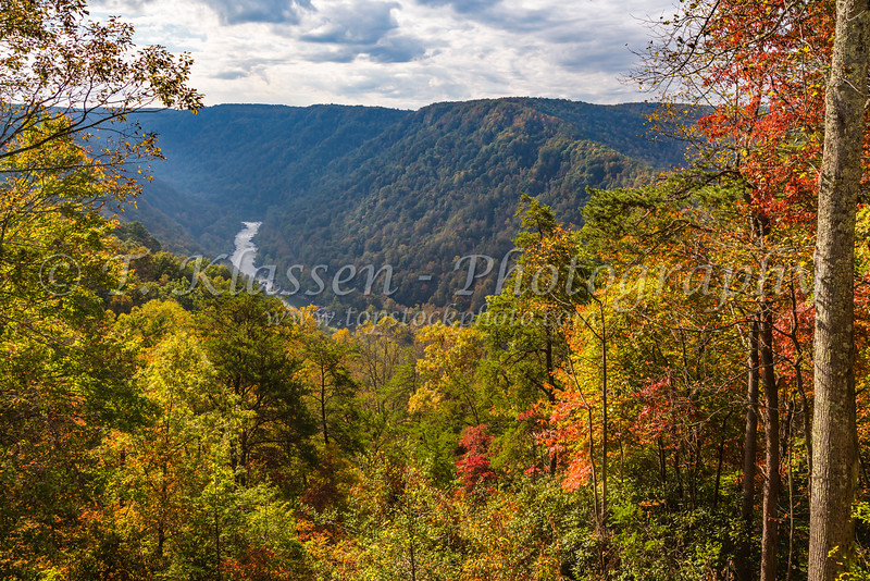 The New River Gorge with fall foliage color in West Virginia, USA.