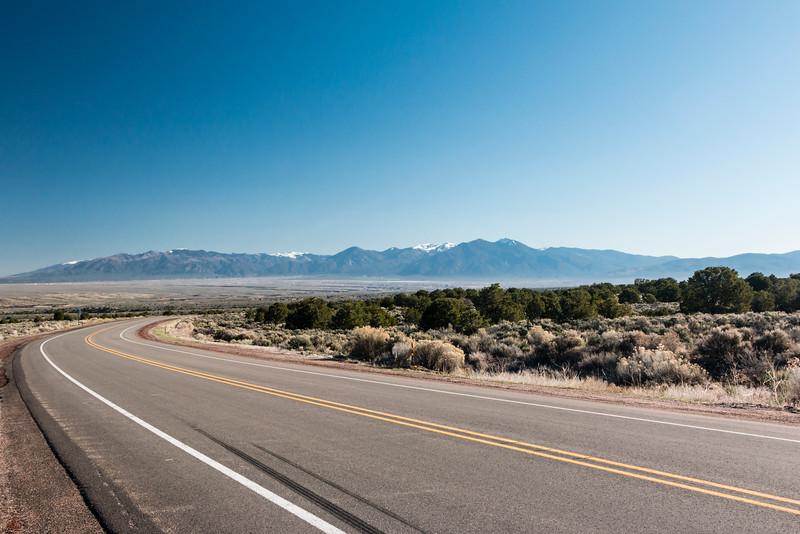 NM-TAOS-LOW ROAD TO TAOS