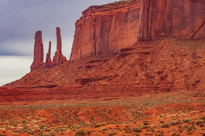 Arizona-Monument Valley-Three Sisters