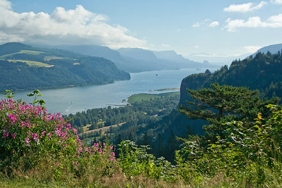 OR-CORBETT-COLUMBIA RIVER