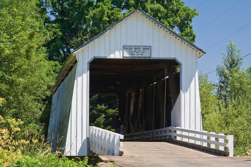 OR-MOUNT ANGEL-GALLON HOUSE COVERED BRIDGE