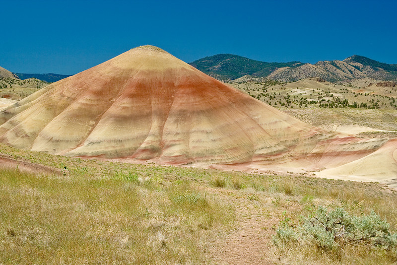 OR-JOHN DAY FOSSIL BEDS-PAINTED HILLS