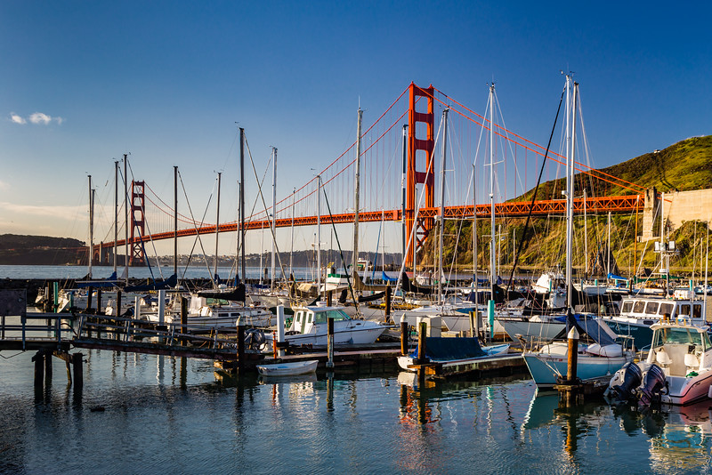 CA-Sausalito-HORSESHOE BAY and Golden Gate Bridge
