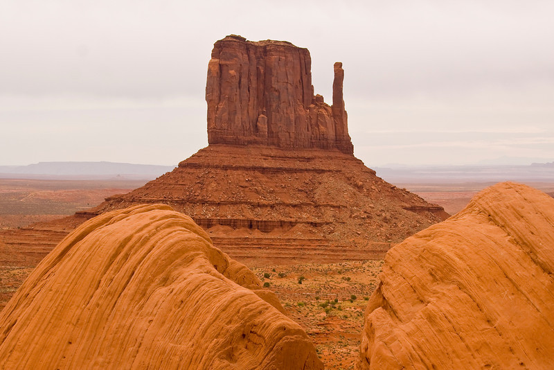 AZ-MONUMENT VALLEY-RIGHT MITTEN