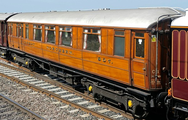 Great Northern Rly saloon No 807 (99881), 5Z57, Hest Bank, Thurs 11 July 2013 - 1112.