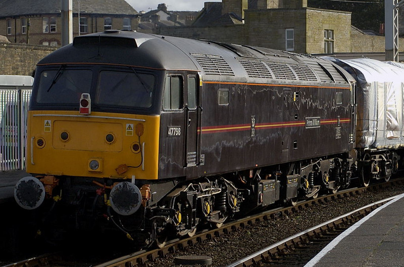 47798 Prince William, Carnforth, Thurs 16 February 2006 - 1427.  The NRM's royal 47 arrives at Steamtown for what proved to be a desultory overhaul  The loco was still at Steamtown for the 2008 open days.