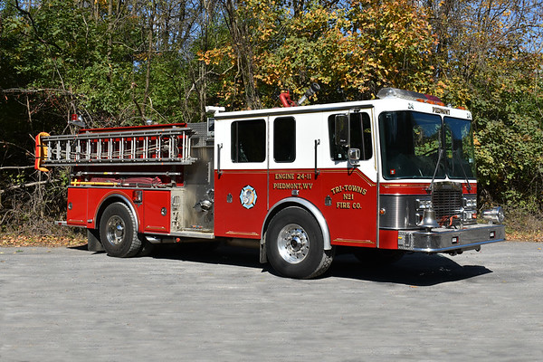 Piedmont, West VA Engine 24-11 in Mineral County - a 1991 HME 1871/Grumman Panther II.  1000/1000.  Grumman serial number 18543.