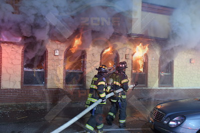 Westbury F.D. Working Fire Old Country Rd. (Harvest Diner) 9/26/19