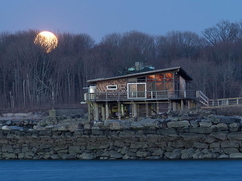 Full Moon at Glen Island Park