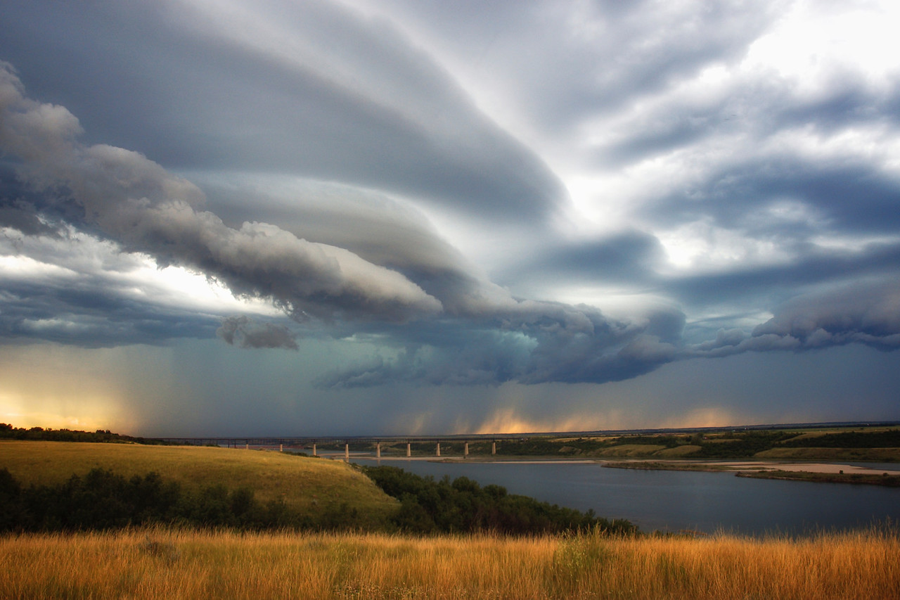 Prairie Storm near Outlook, Sask.