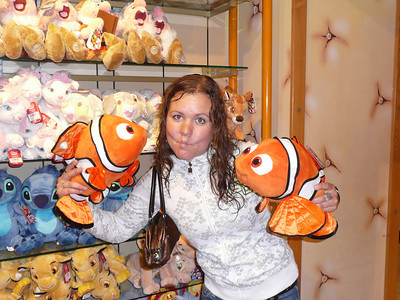 Nemo holding Nemos