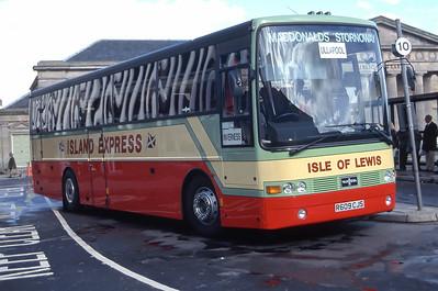 MacDonald Vatisker R609CJS Inverness Bus Station Sep 97