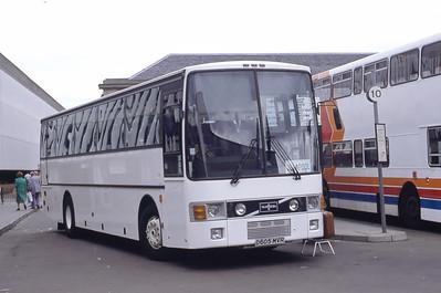 MacDonald Vatisker D605MVR Inverness Bus Station Sep 92