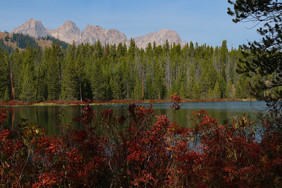 We got to the second of the Bench Lakes for lunch, with some nice views of the surrounding peaks.  Looking NW.