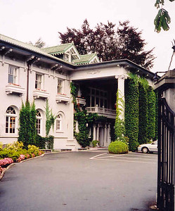This is Hycroft House, built by a Vancouver industrialist named McCrea in 1909. It is owned by the Women's University Club and is used frequently in TV show that are filmed in Vancouver. A tour can be arranged - it's a beautiful house. (2004)
