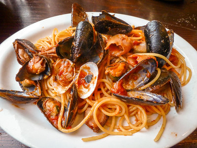 Amsterdam Trattoria Toto - mussels and pasta dinner