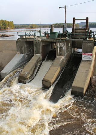 14.11.16 Dam on Lake Moxie