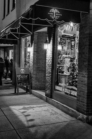Evening Welcome @ Pure Roots B&W