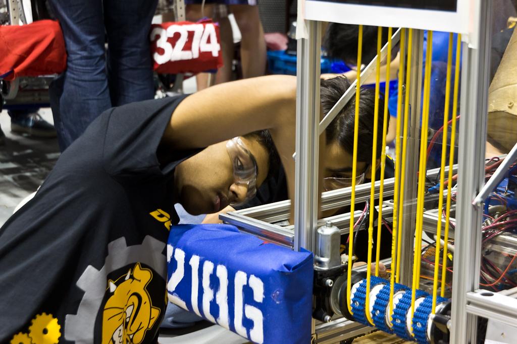 2012-03-16_[248]_WHS Robotics Richmond Competition