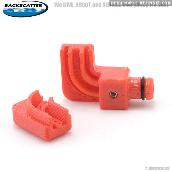 XIT 404 custom fiber optic plug mount slips over the stock Inon cable end and allows it to connect to a Sea & Sea plug.