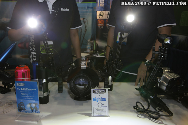 Bigblue video light canister system. 1000 lumens.