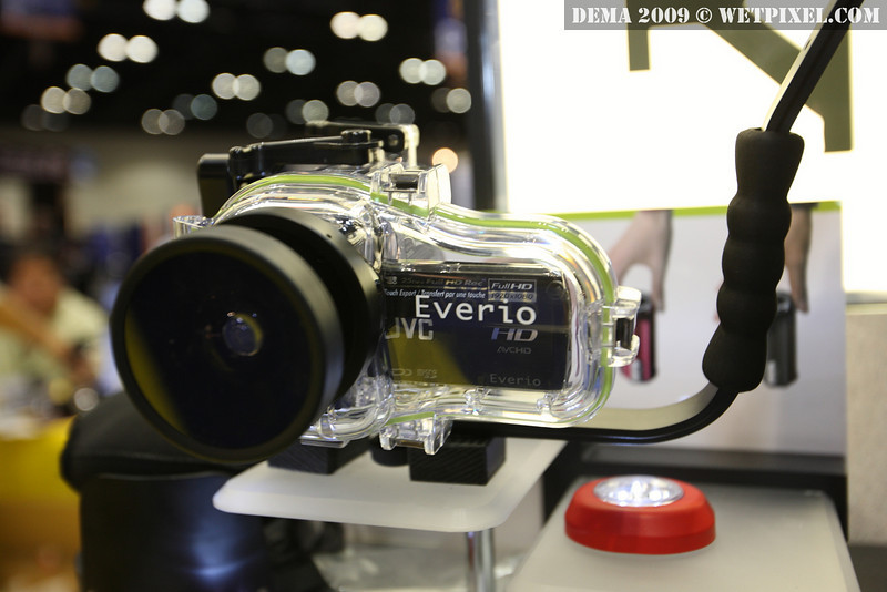 Bonica JVC Everio Dive Digital housing and wide angle lens