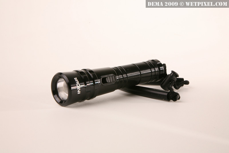 Intova wideangle waterproof torch