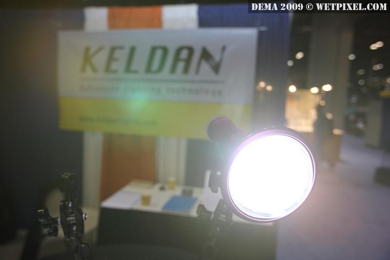 LUNA 8 LA-V video light
