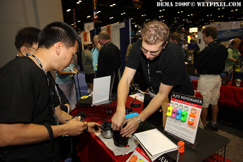 Eric Cheng checks out the new Reefnet 67mm SubSee Magnifier