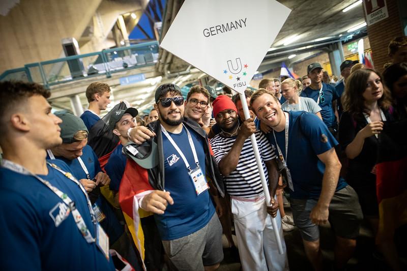 Die Eröffnungsfeier der 30. Sommer-Universiade am 3. Juli 2019 in Neapel mit der Deutschen Studierenden Nationalmannschaft