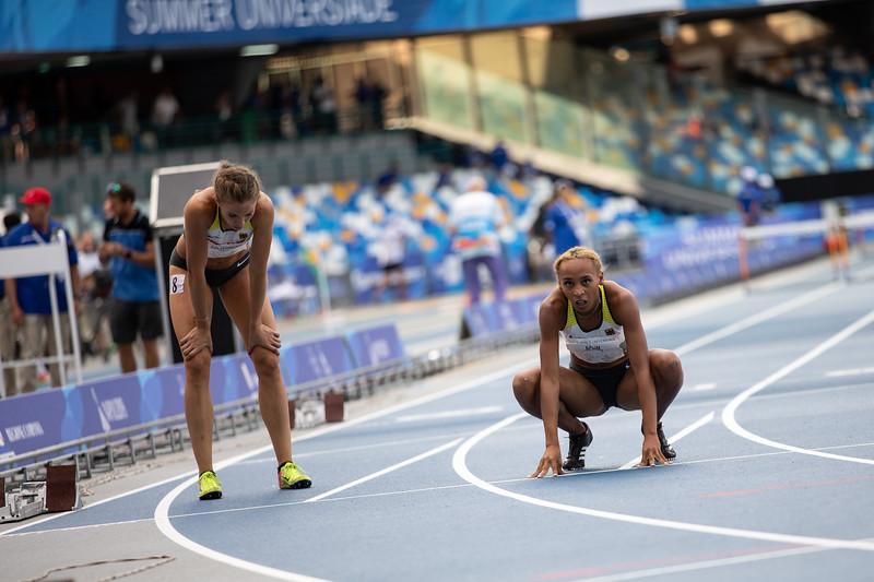 Bei der Universiade 2019 in Neapel werden die Langsprinterinnen Djamila Böhm und Christine Salterberg Sechste und Siebte über 400 Meter Hürden. 10. Juli 2019, © Arndt Falter